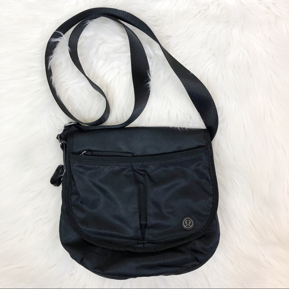 336e415ceae lululemon athletica Bags | Lululemon Essentials Bag | Poshmark